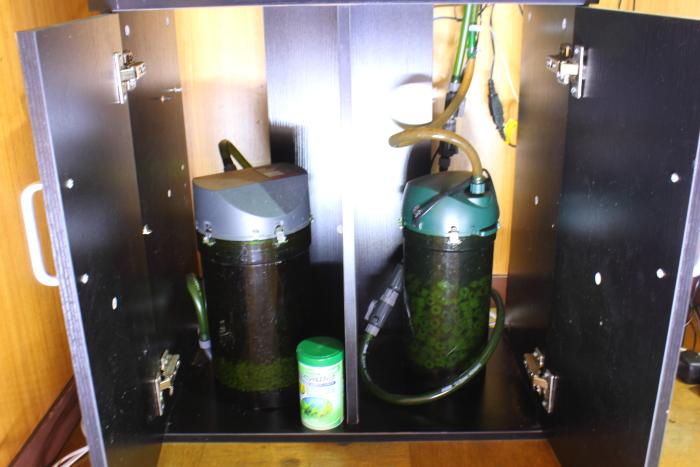 コトブキとGEXの水槽台比較 収納比較GEX