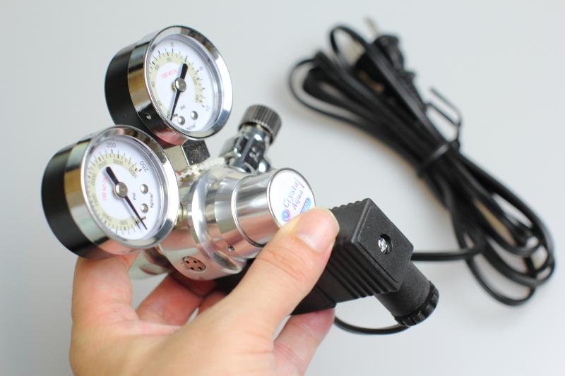電磁弁とスピードコントローラー付き(小型・大型対応)レギュレーター