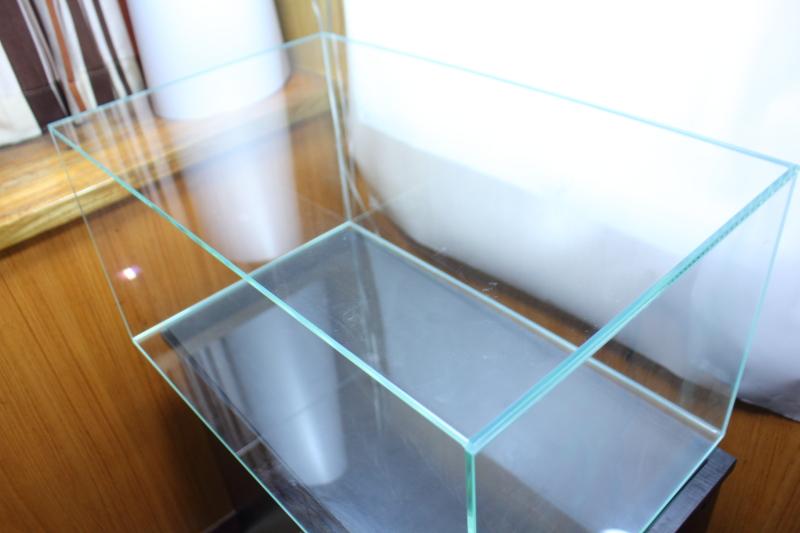 水槽のバックスクリーン