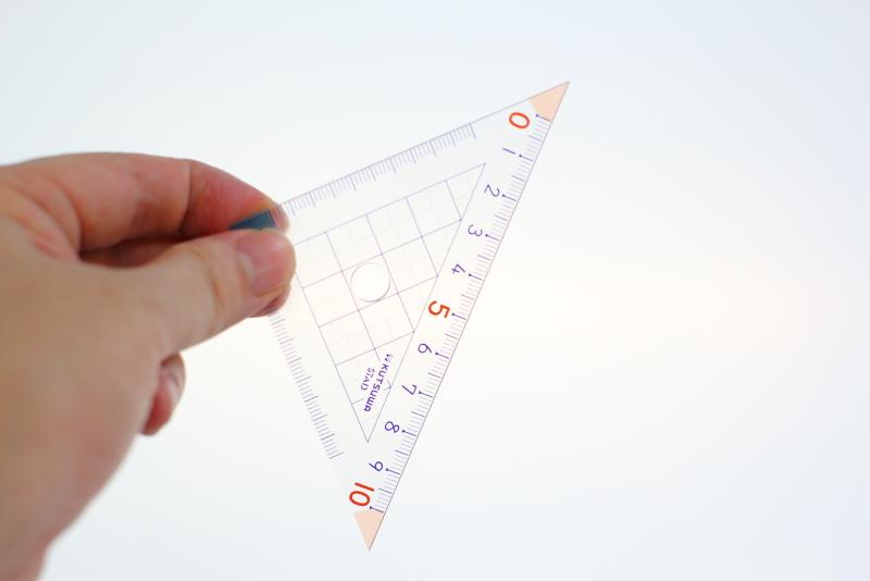 水槽のコケ取りにおすすめの算数三角定規